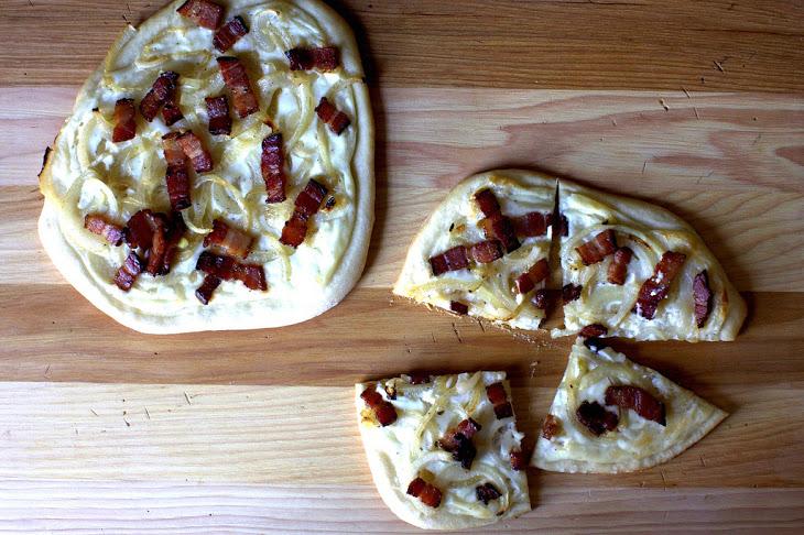 Pizza with Bacon, Cream and Onion Recipe